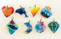 星砂をガラスに閉じ込めて、オリジナルのガラスアクセササリー作り沖縄ガラス星砂体験 【4名様】
