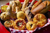 """【3か月定期便】""""愛パン家""""必見!季節のパンなど約100種類から厳選した「おまかせパンセット」"""