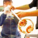 【長浜観光協会厳選】黒壁スクエアガラス工房で吹きガラス体験