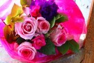 BM188ロータスガーデンの美しきバラのギフト「可愛いピンクなバラの花束」