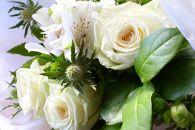 BM189ロータスガーデンの美しきバラのギフト「純白のバラの花束」