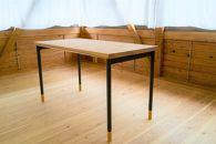 木靴を履いた木のテーブル【SabotTable】オフィスや書斎に