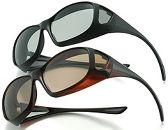 メガネの上にもかけられる調光偏光機能付きサングラス(ブラック)