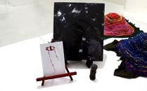 写真集『DISTORTION』土人形1体、ポストカード1枚