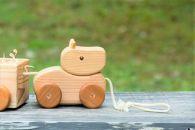 【ポイント交換専用】【阿蘇小国杉】小国ジャージー牛プルトイ-おぐにの木のおもちゃ-