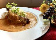 老舗レストランの鳥もも肉が丸ごと入った信玄鶏バターチキンカレー 10個入り