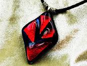 小山フュージングガラス(ダイクロ)のアクセサリーロットNo6【深紅(しんく)】~ペンダント(1点モノ)