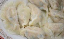 上海亭の水餃子、海老としらすの水餃子と焼餃子の3種類セット