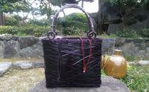 地元の素材を使った竹バッグ