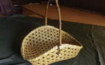 地元の素材を使った竹かご