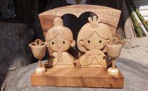 卓上木彫りのお雛様