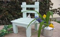 ライトブルーペイントがかわいい 椅子型フラワースタンド 小 水色