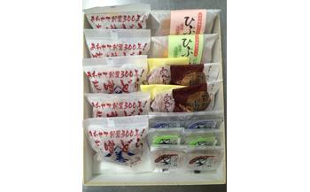 「味噌どら」と和菓子の詰め合わせ