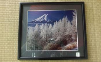 額入り富士山写真