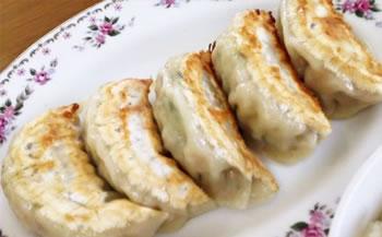味比べ餃子4人前(肉、野菜、ニラ玉、ピリ辛)